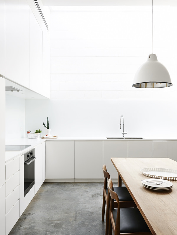 5 beautiful white kitchens with concrete floor